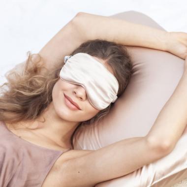 Silk Silk Бьюти Комплект наволочка и маска из 100% натурального шелка Карамель